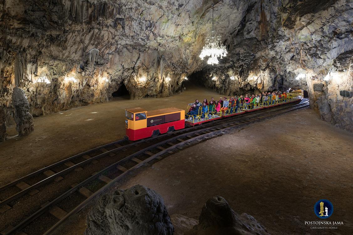postojna-cave-train-2-i-m-010-.jpg